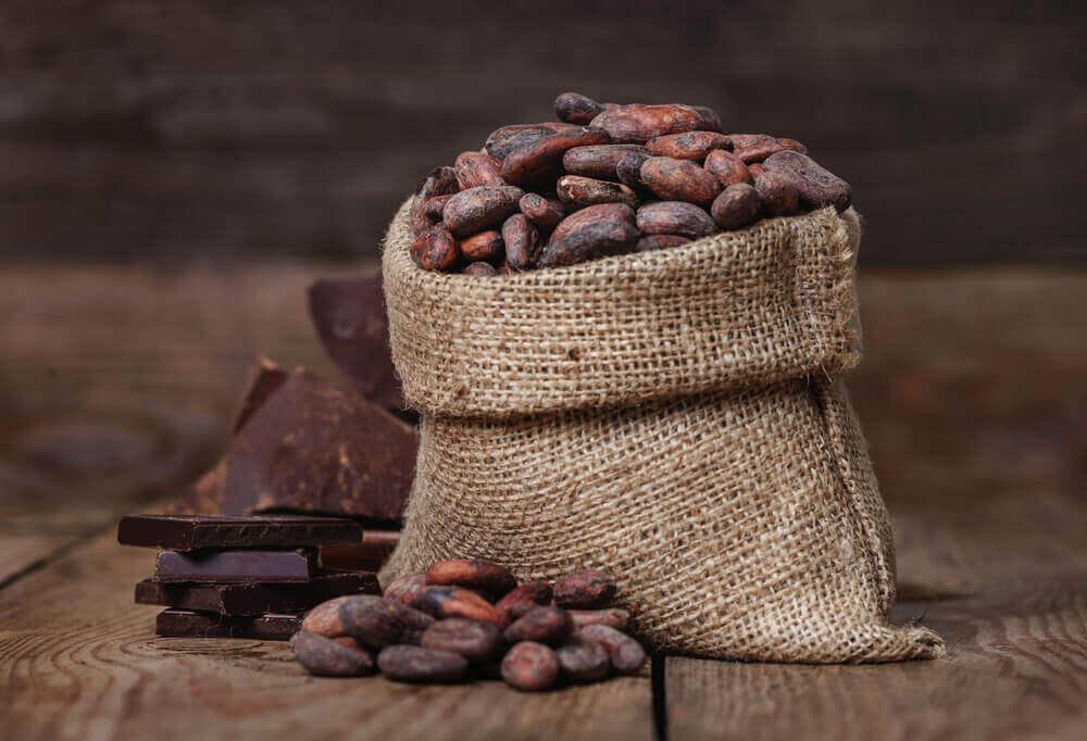 Suklaa valmistetaan kaakaopavuista