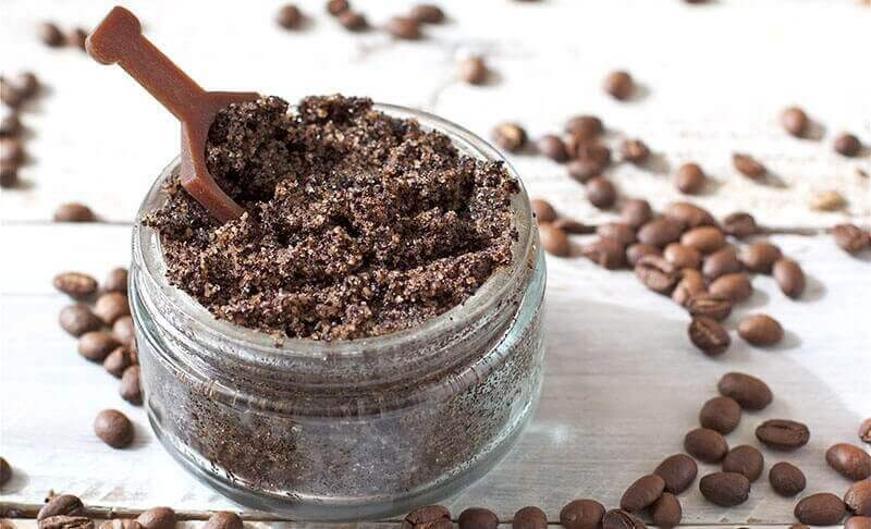 Kahvi ja kookosöljy yhdessä hoitavat raskausarpia