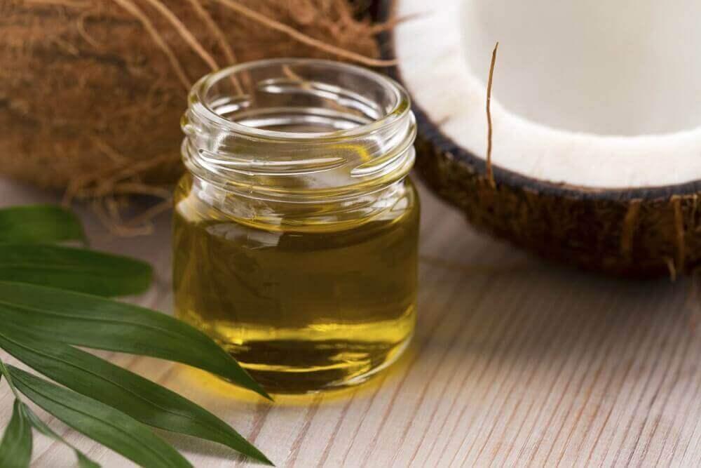 kokeile luonnollista meikinpoistoainetta hunajasta ja kookosöljystä