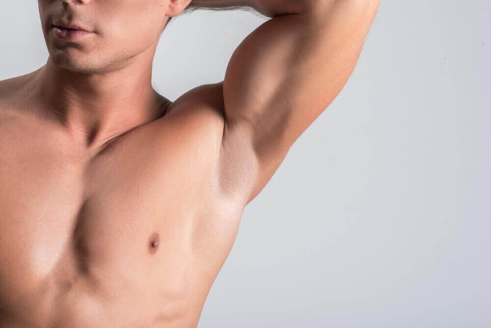Kainaloiden ihon vaalentaminen 6 luontaistuotteella