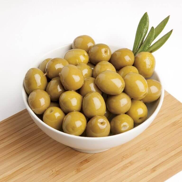 Oliivien A-vitamiini auttaa vähentämään ihon löystymistä