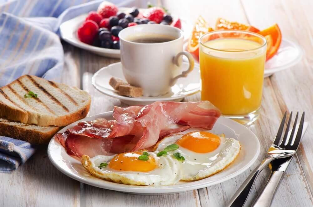 Aamulla kannattaa syödä proteiinipitoisesti
