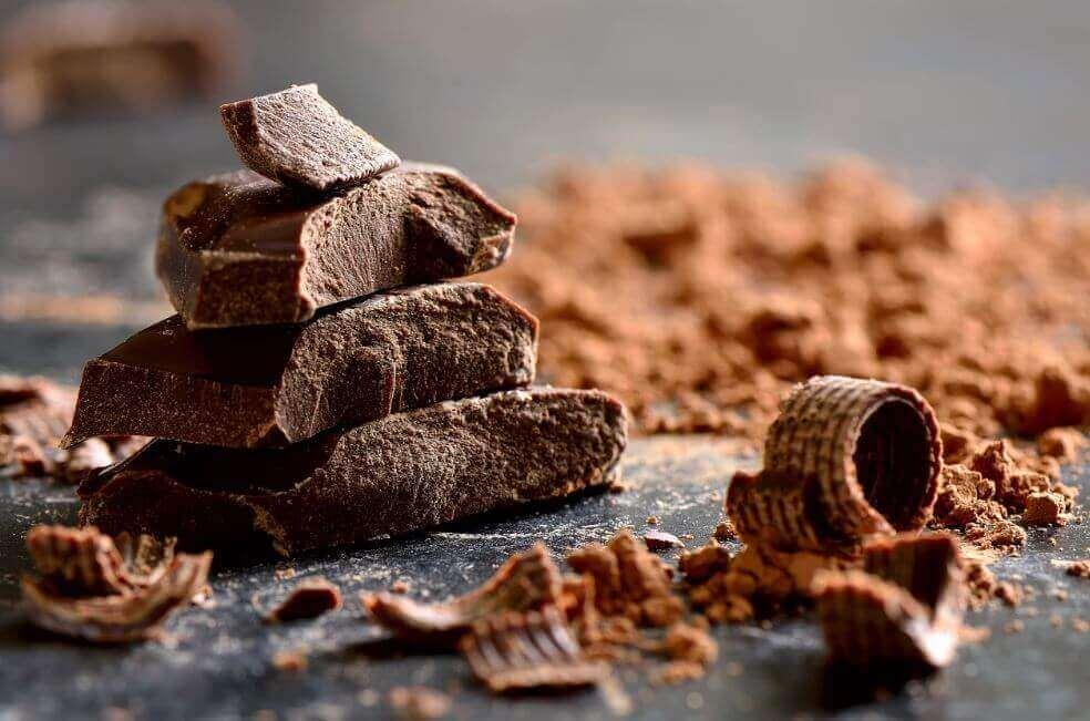 5 loistavaa syytä syödä tummaa suklaata