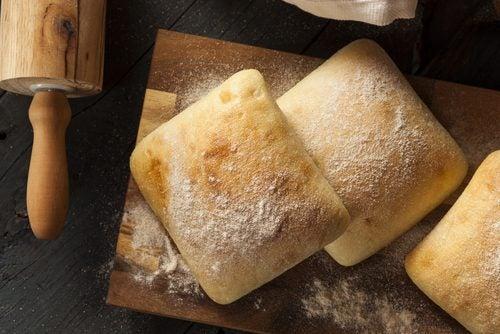 Vältä vaaleaa leipää laihduttaessa
