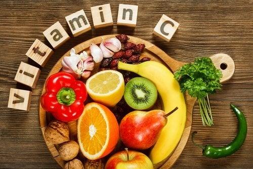 C-vitamiini auttaa rautaa imeytymään
