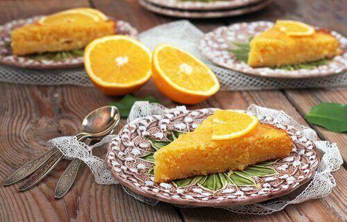Kaksi terveellisempää appelsiinikakkua