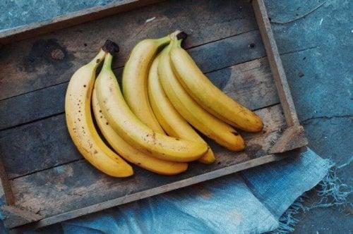 Kauniit hiukset ja iho 5 banaaninaamiolla