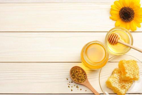 hoida palovammoja hunajalla