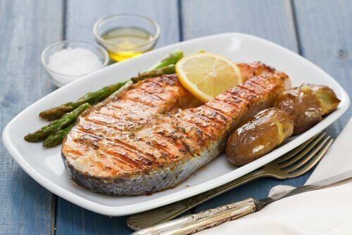 Rasvainen kala auttaa nostamaan hemoglobiinia