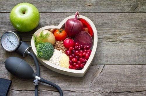 terveelliset ruoat huonon kolesterolin vähentämiseksi