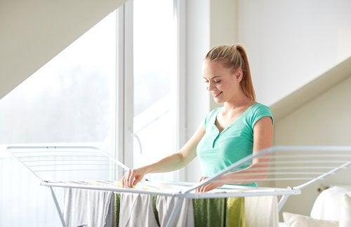 vaatteiden kuivaaminen