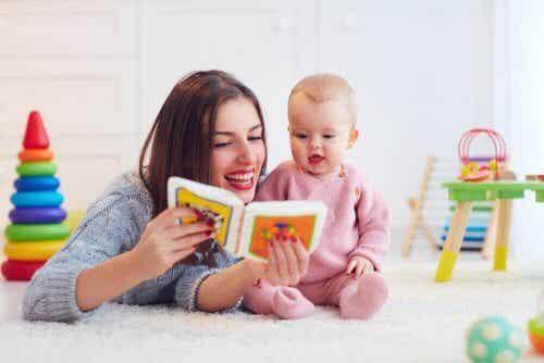Viisi lapsen puhetta edistävää harjoitusta