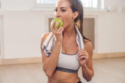 maksan toiminta syö hedelmiä