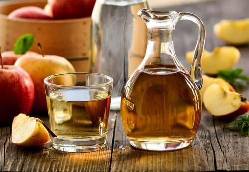 taistele kaljuuntumista vastaan omenaviinietikalla