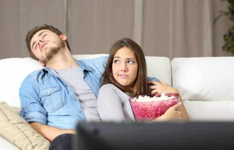 5 syytä, miksi onneton pari pysyy yhdessä