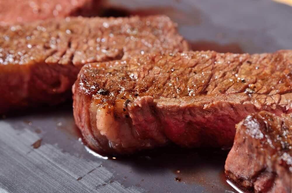 Kuinka liha valmistetaan menettämättä sen mehukkuutta