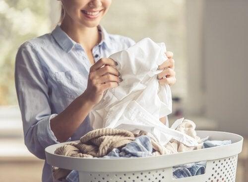 Vaatteet voivat pahentaa atooppista ihottumaa