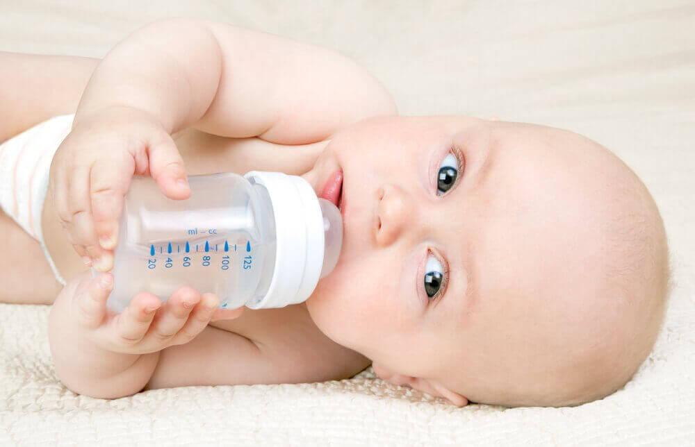 Kassing-menetelmä: pullo- ja rintaruokinnan yhdistäminen