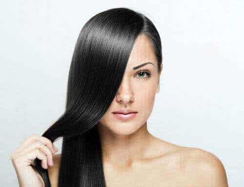 Terveet ja kauniit hiukset näillä 9 helpolla vinkillä