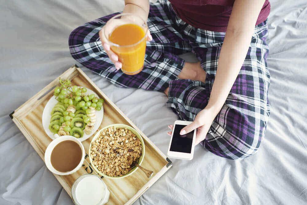 vinkki terveelliseen painonpudotukseen: syö aamiainen