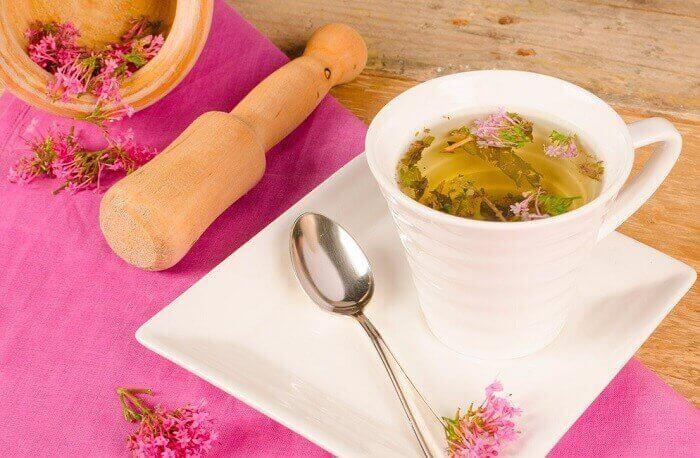 Valeriaanasta voi olla apua kehon rentouttamisessa