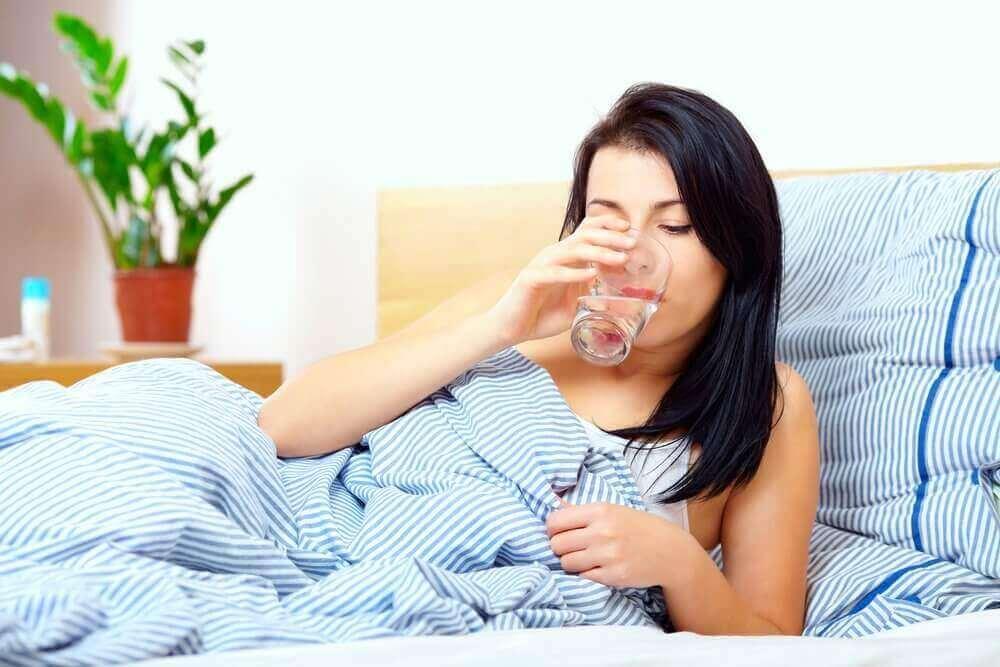terveellistä tapaa aamulla: vettä tyhjään mahaan