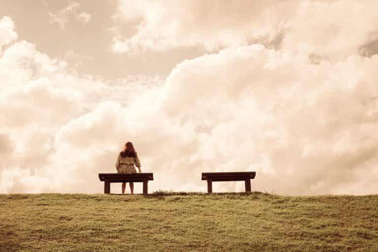4 yleistä syytä tuntea olonsa yksinäiseksi
