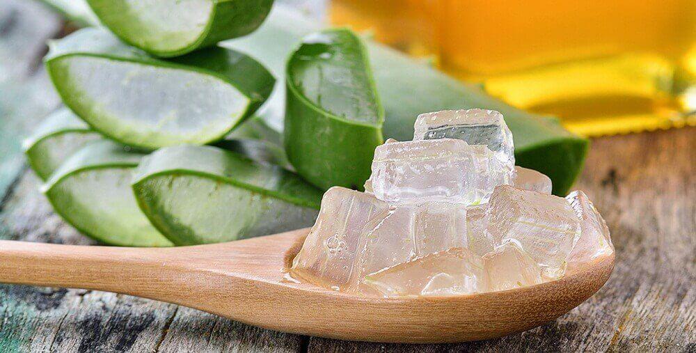Aloe vera ja E-vitamiini auttavat häivyttämään silmäpusseja