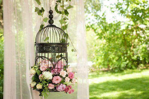 Häkit ovat romanttinen sisustuselementti vintage-tyylissä