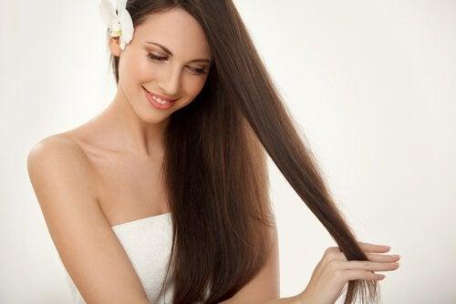 kuinka saat terveet ja kiiltävät hiukset