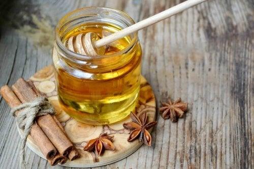 hoida pahanhajuista hengitystä hunajalla