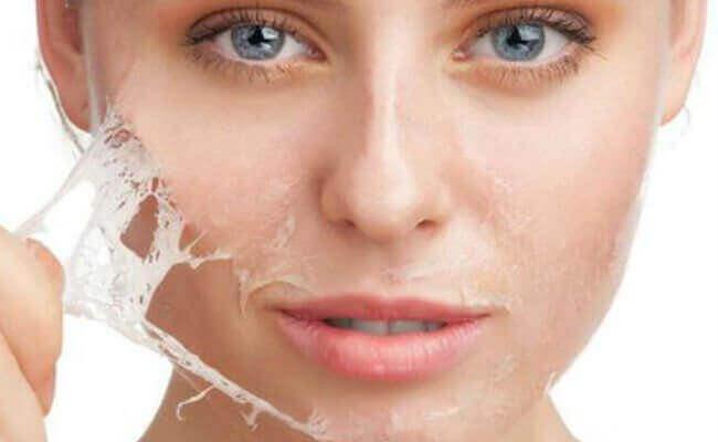 revittävä naamio