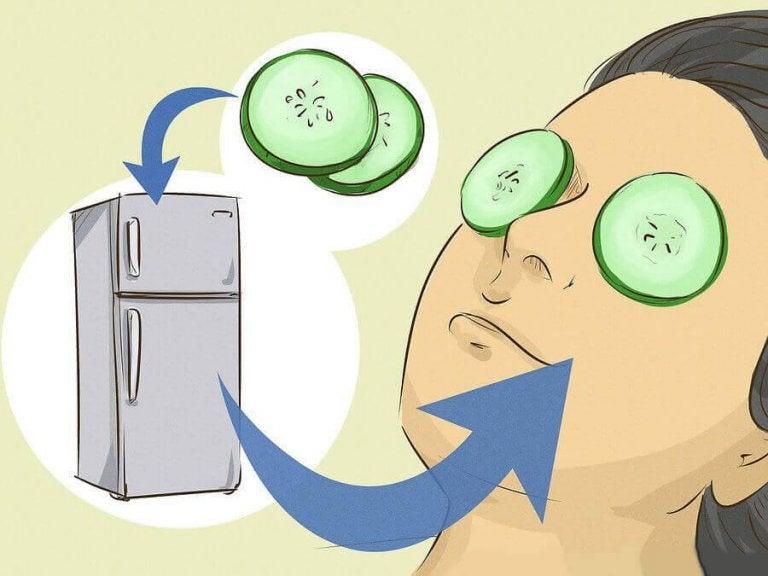 Naamioita silmäpussien häivyttämiseen