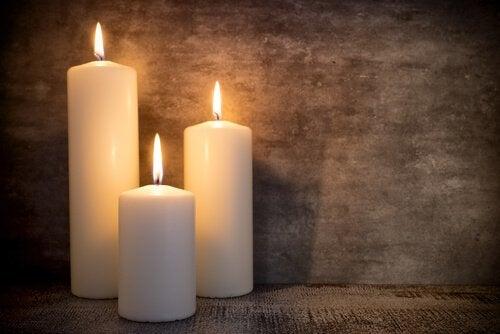 Kynttilät kuuluvat vintage-tyyliin