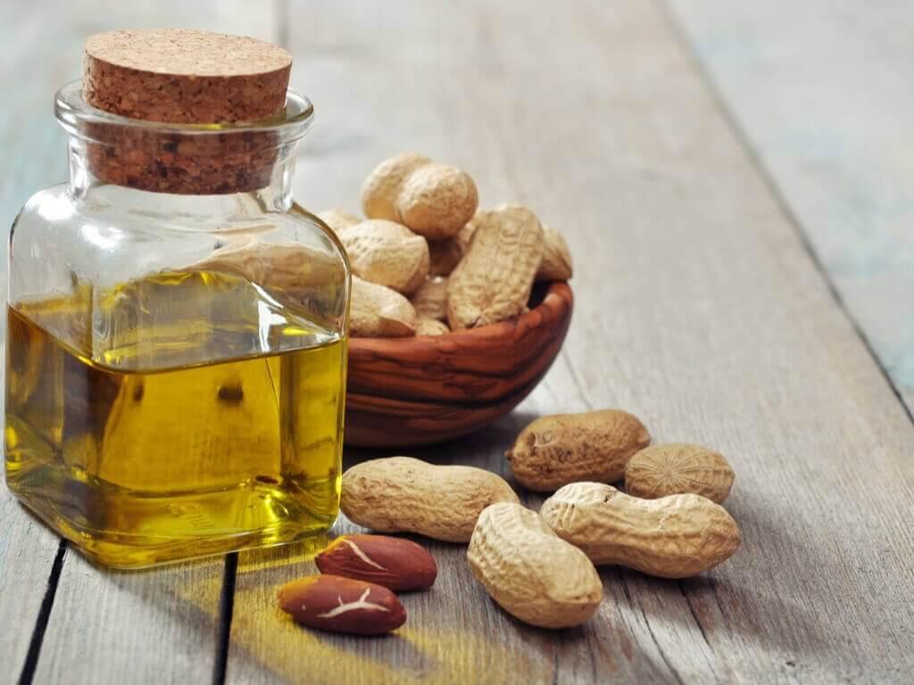 parhaat öljyt paistamiseen: maapähkinäöljy