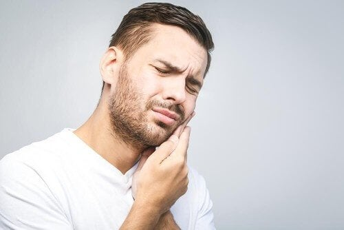 Tehokkaimpia luontaishoitoja hammaskipuun