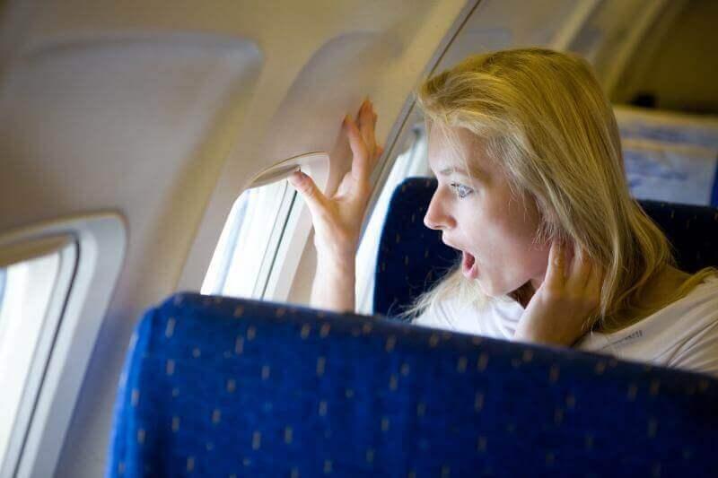 Ahdistuksen hallitseminen lennon aikana