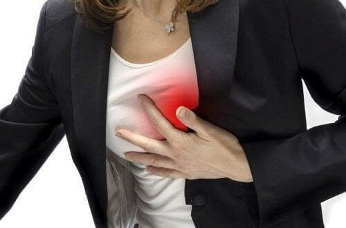 korkea kolesteroli voi johtaa sydänongelmiin
