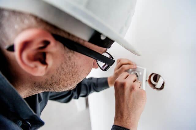 Ammattilainen osaa neuvoa energia-asioissa