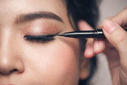 Pienisilmäisten yleisimmät meikkimokat