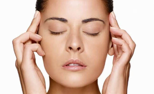 Silmien sulkeminen ja silmämunien liikuttelu on hyväksi silmille