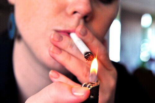 keuhkosyövän aiheuttajat: tupakointi