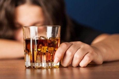 älä juo alkoholia tyhjään vatsaan