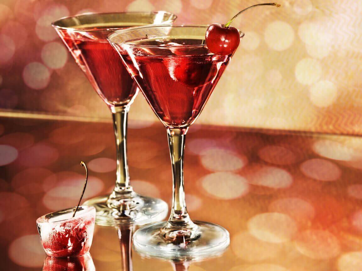 punaiset drinkit