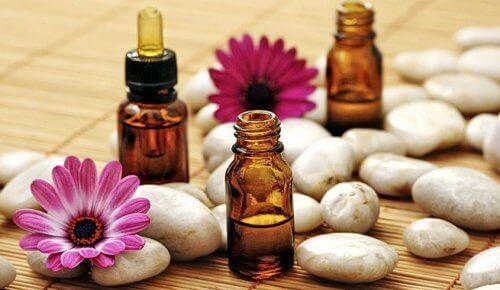 eteeriset öljyt aromaterapiassa