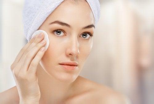kuivan ihon puhdistus