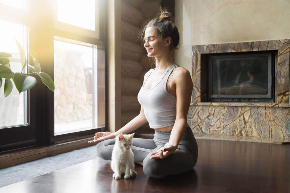 Parhaat jooga-asennot selkäkipuun