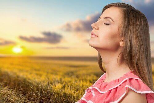 Auringonotto edistää unensaantia
