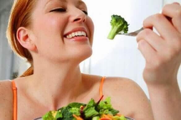 nainen himoaa parsakaalia