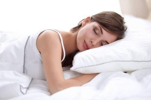 Vääränlainen tyynyliina voi aiheuttaa ryppyjä